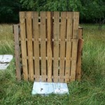 Compost bin gate spacer